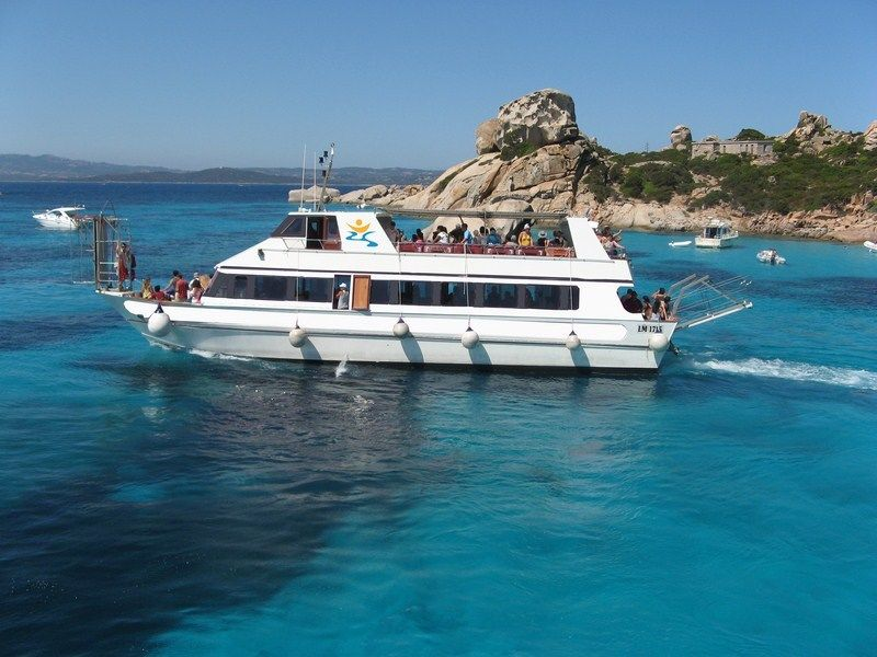 boat-tour-la-maddalena-islands