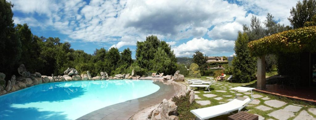 Agnata-di-De-André-Boutique-Hotel-pool-2