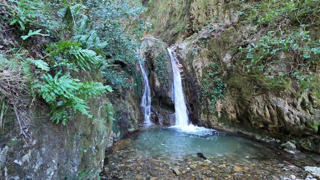 Su Stampu de su Turrunu waterfalls